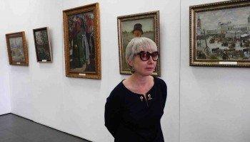 Представитель  Муромского историко-художественного музея Елена Тюрина на открытии выставки.