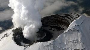 vulkan-ebeko-na-kurilax-vybrosil-pepel-na-vysotu-33-km-73bb2322