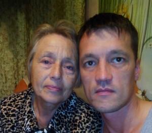 Федор с матерью.